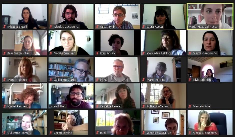 Captura de pantalla de una videollamada donde se ven los participantes del mapa de la memoria